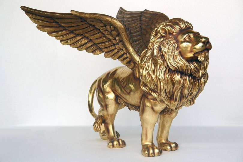 Fiberglass Winged King Lion Statues