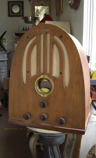 Antique Radio ''Philco''